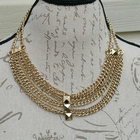 Forever 21 NWT faux gold multiple layered necklace from Amandas